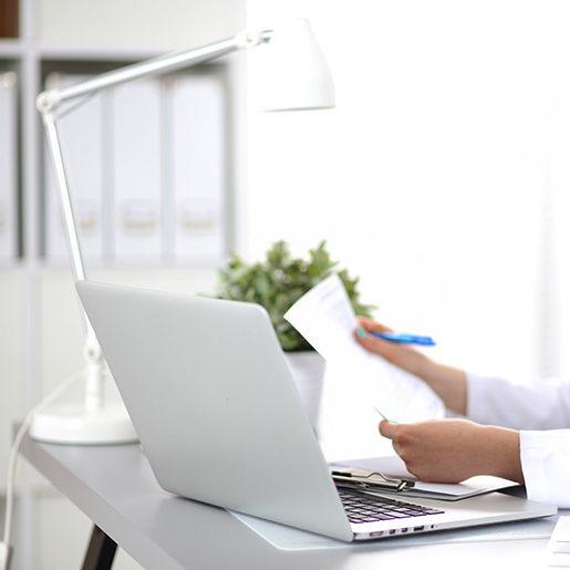 HistoTrac Software Laptop Desk